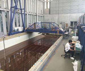 大型水槽受験施設公開及び実験見学